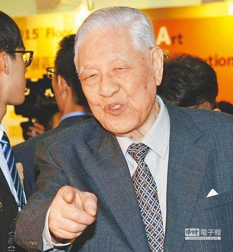 """澳门日报:李登辉的""""帮忙""""让蔡英文招架不住"""