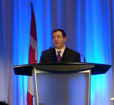 加拿大将提高移民申请语言门槛或加强评分灵活性