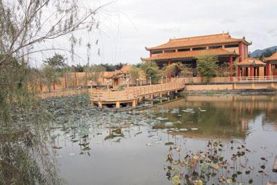 大马怡保孔子庙成新旅游景点每日众多民众朝拜