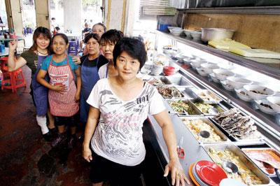 大马7华人女子老街烹出古早味