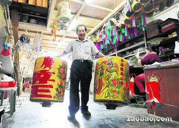 后继无人新加坡华人潮式灯笼彩绘手艺面临失传