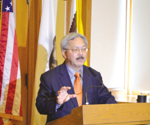 华裔市长支持严管枪械旧金山启动枪支回收活动