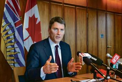 温哥华市长向华人拜年称振兴华埠计划进展良好