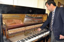 """在日华人制作""""大奖娱乐网站钢琴""""百年后重归横滨中华街"""