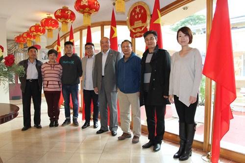 中国驻约堡总领事会见南非华侨华人艺术团