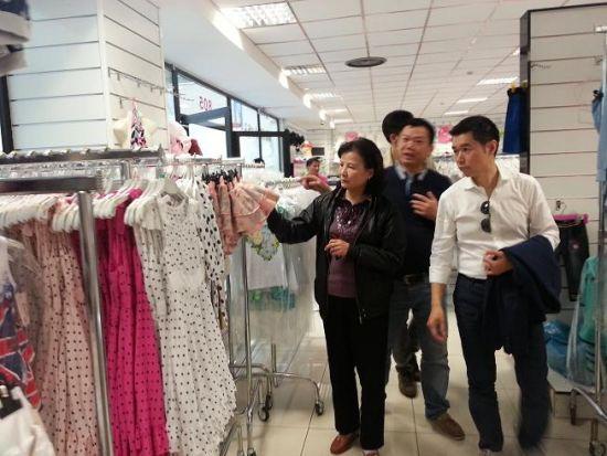 中国驻米兰总领事走访慰问当地华商强调安全经营