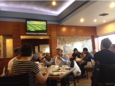 世界杯点燃美华裔球迷热情 办加急签证飞巴西