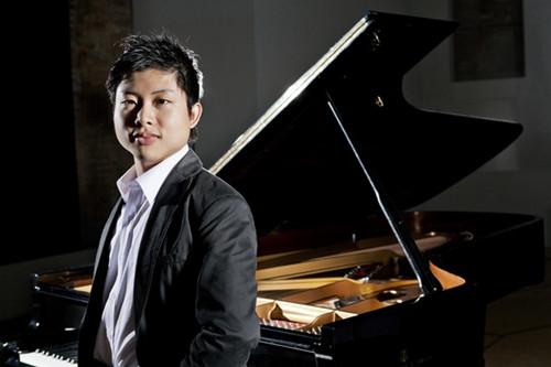 中国侨网华裔钢琴家Avan Yu(余沛霖)