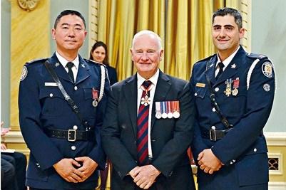 火海中英勇救人华裔警察获加拿大总督颁英勇勋章