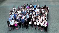 澳洲纽省高考13华裔考生获分科第一称平常心对待