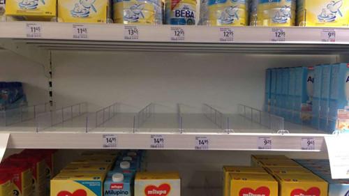 德国法兰克福超市奶粉断货 称中国人抢购是主因