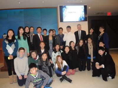 中国富人投资子女教育带孩子赴美体验豪华寄宿