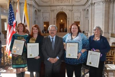 扎克伯格华裔妻子获旧金山华裔市长颁杰出女性奖