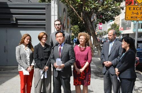 加州华裔议员邱信福提案:公交车永久加装摄像头