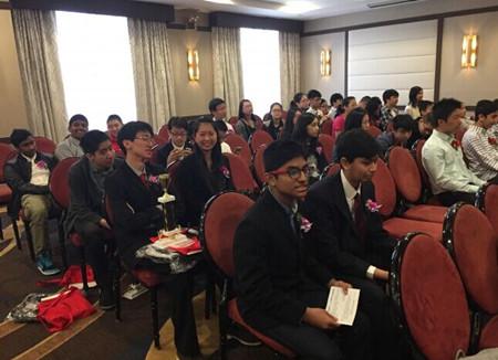 美华裔补习班受其他族裔家长青睐希望考入名校