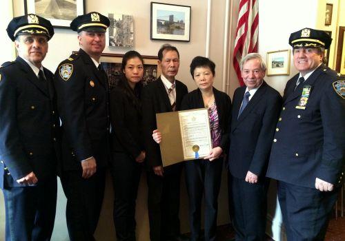 纽约州众议员提议案表扬殉职华裔警员刘文健