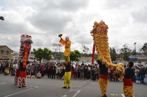 美华人移民渐向东移圣谷东区成华人超市必争之地
