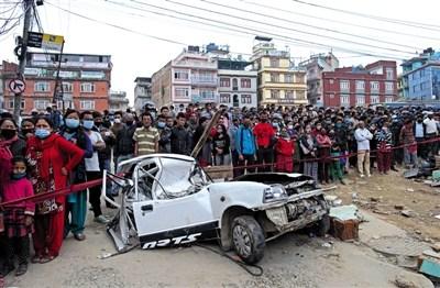 逾2500名中国公民撤离尼泊尔震区中国医疗队救援