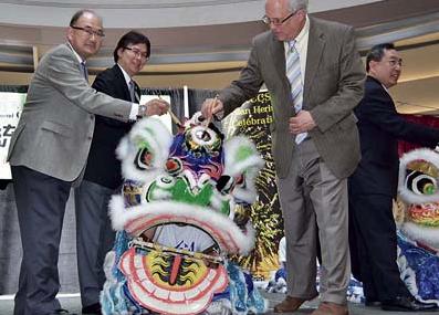 加拿大列市举办亚裔文化月活动促各族裔和谐