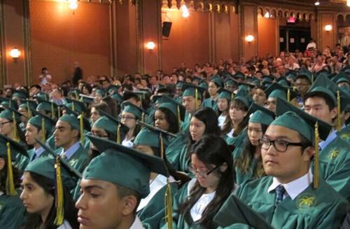 纽约布朗士科学高中华裔毕业生成绩亮眼(图)