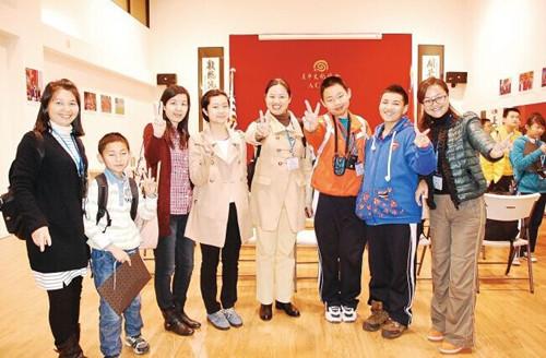华媒:家长冲动中介浇油中国小留学生蜂拥赴美