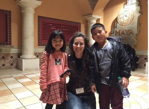 华裔兄妹棋手夺全美大赛奖杯哥哥7岁妹妹5岁半