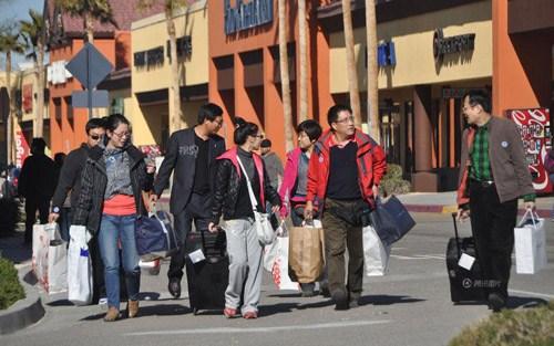 日媒析访日外国游客消费动向华人游客热衷购物