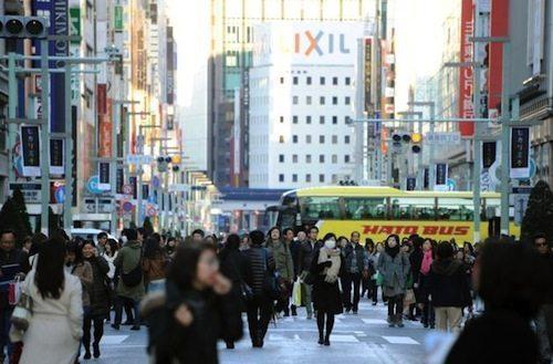 日本拟再次上调消费税至10%华人担忧生活压力大