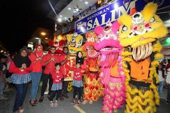 尊重传统企盼团圆 海外华侨华人的中国年