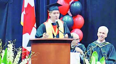 加拿大名校5名满分状元中4名华裔 各具多方面才能