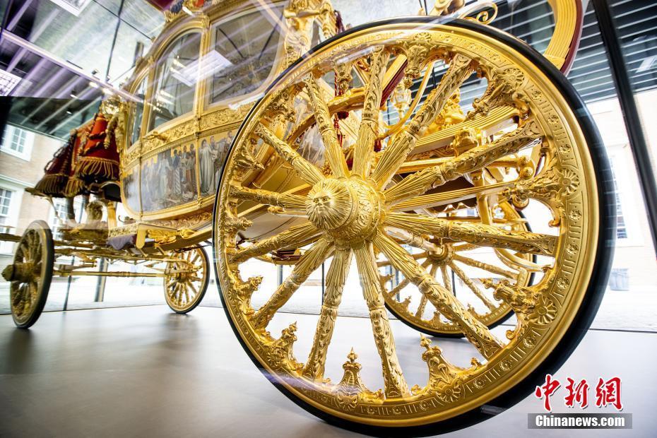 """荷兰博物馆展出""""黄金马车"""" 修复时间耗费6年之久"""