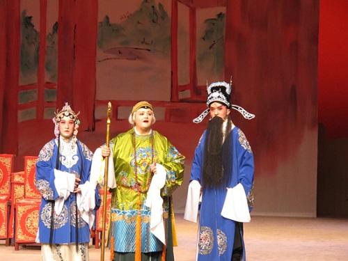 孔子學院協助夏威夷大學上演京劇《穆桂英掛帥》