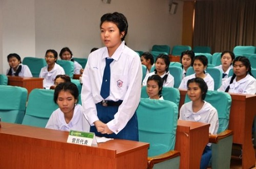 同学学员林勇华代表发言.2015对口初中徐汇区