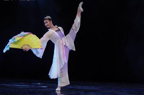 总政歌舞团