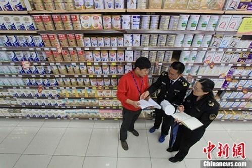 嬰幼兒奶粉獲批配方數過千市場競爭日趨激烈