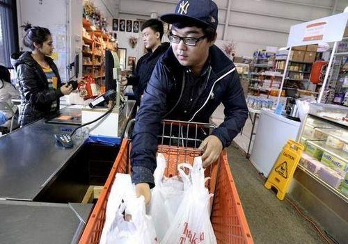 中国留学生市场巨大 美国密歇根州各行业抢抓商机