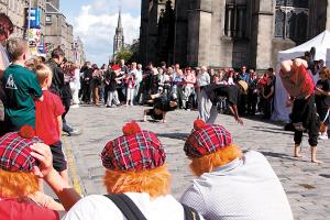 爱丁堡艺术节,处处是舞台
