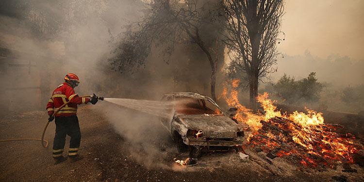 葡萄牙森林大火再起 汽车房屋被点燃