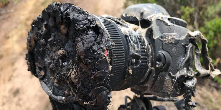 摄影师拍火箭升空 单反被尾焰烤化