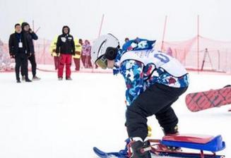 冬季娱乐安全第一:滑雪相撞多因安全意识差