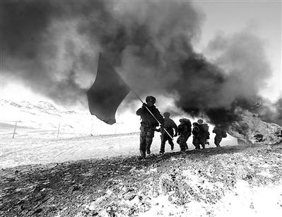新疆奇台县民兵边境冬训穿越硝烟火线(图)