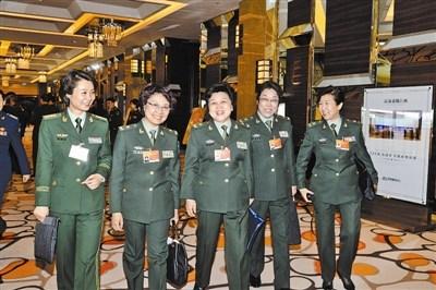 军队女政协委员聚集北京(图)