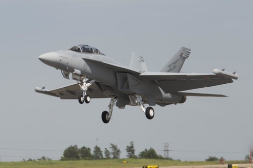 澳大利亚空军接收首架ea-18g电子战飞机(图)-中国