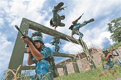 探营蛟龙突击队:每名队员都千挑万选、千锤百炼
