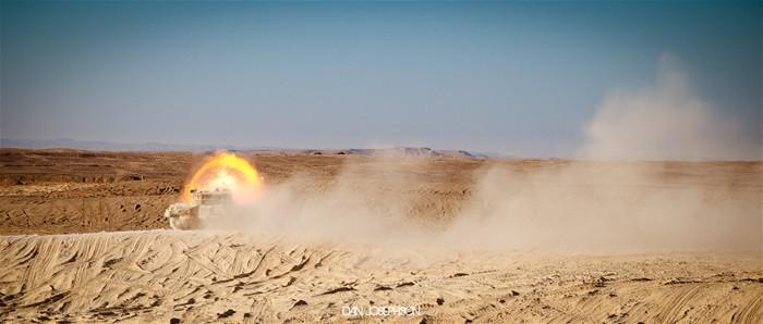 世界 梅卡瓦/多角度实拍世界一流主战坦克:造型犀利震撼