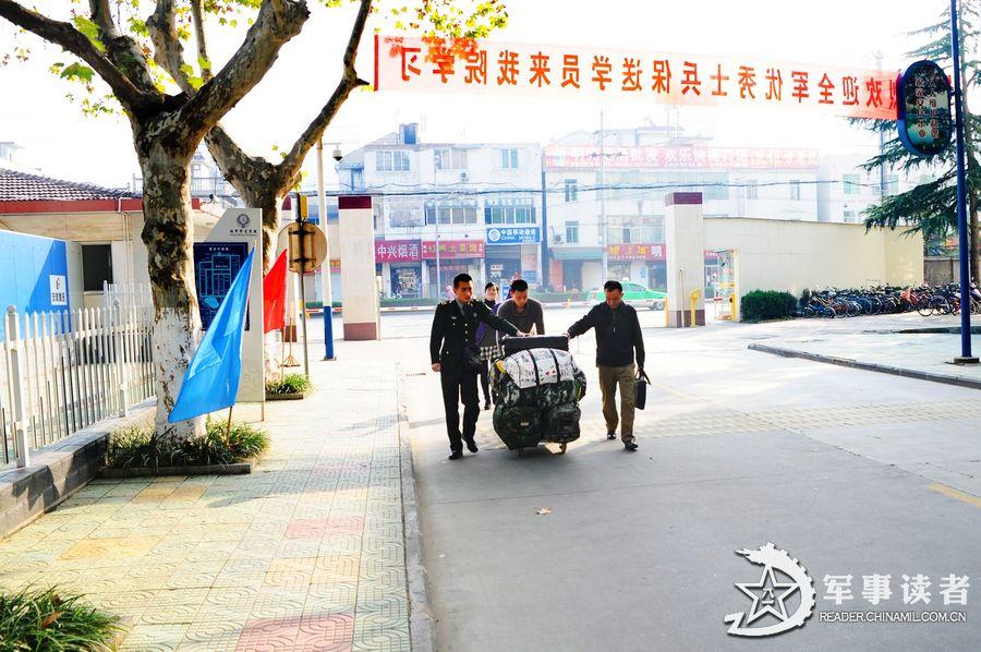 官方曝光解放军陆军军官学院内景
