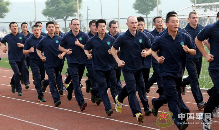 直击中国武警精锐与俄内卫部队联合训练图片