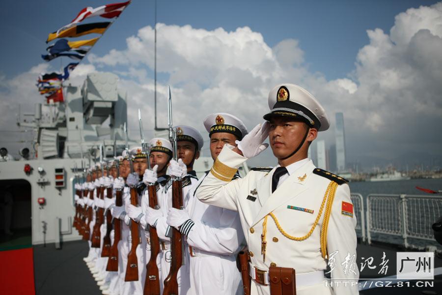 两艘新型护卫舰入列驻港部队 强化香港防务
