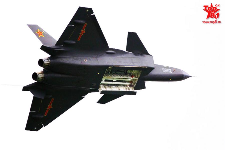 美媒:歼20看哪打哪 可先于F22射导弹 中新网