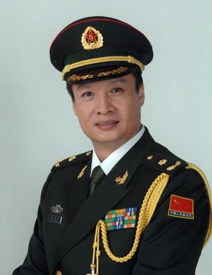 文体明星中的军队专业技术三级以上文职干部